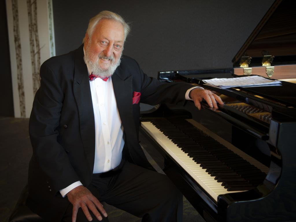 TV's musical maestro Geoff Harvey, one of the driving forces in Australian TV, has died.  Picture: Robert Billington