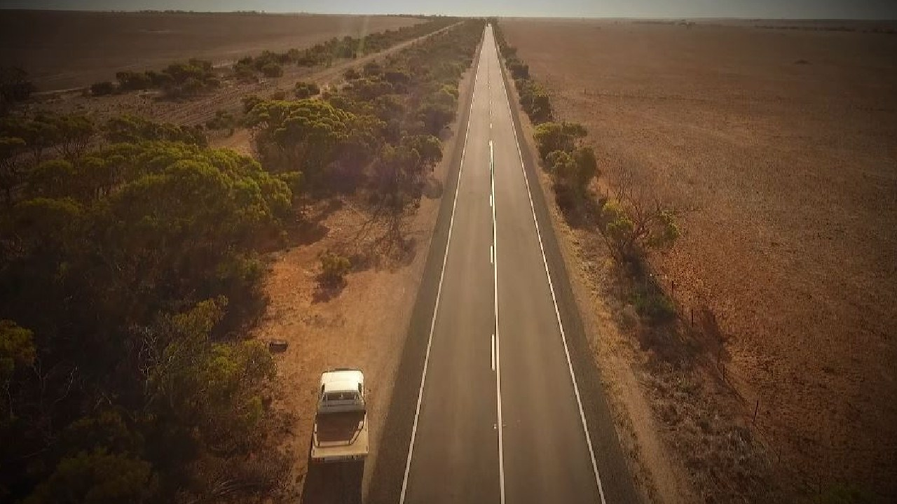 The remote stretch of road in outback South Australia. Picture: Channel 9 / 60 Minutes