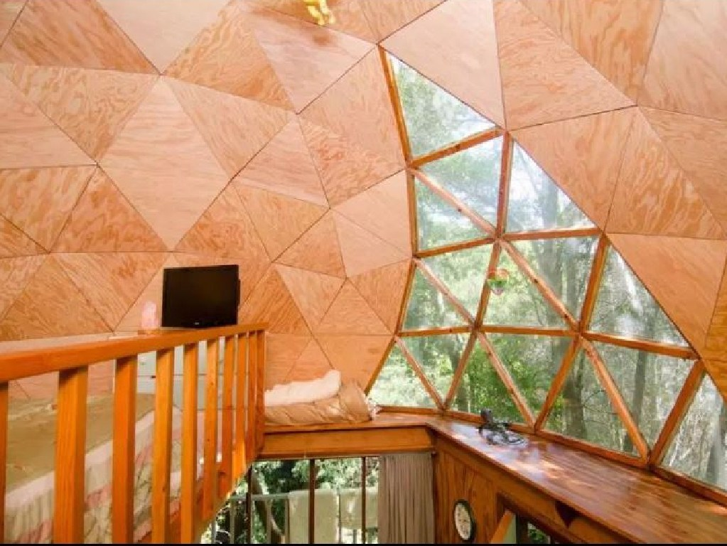 The cabin is popular with stargazers. Picture: Airbnb