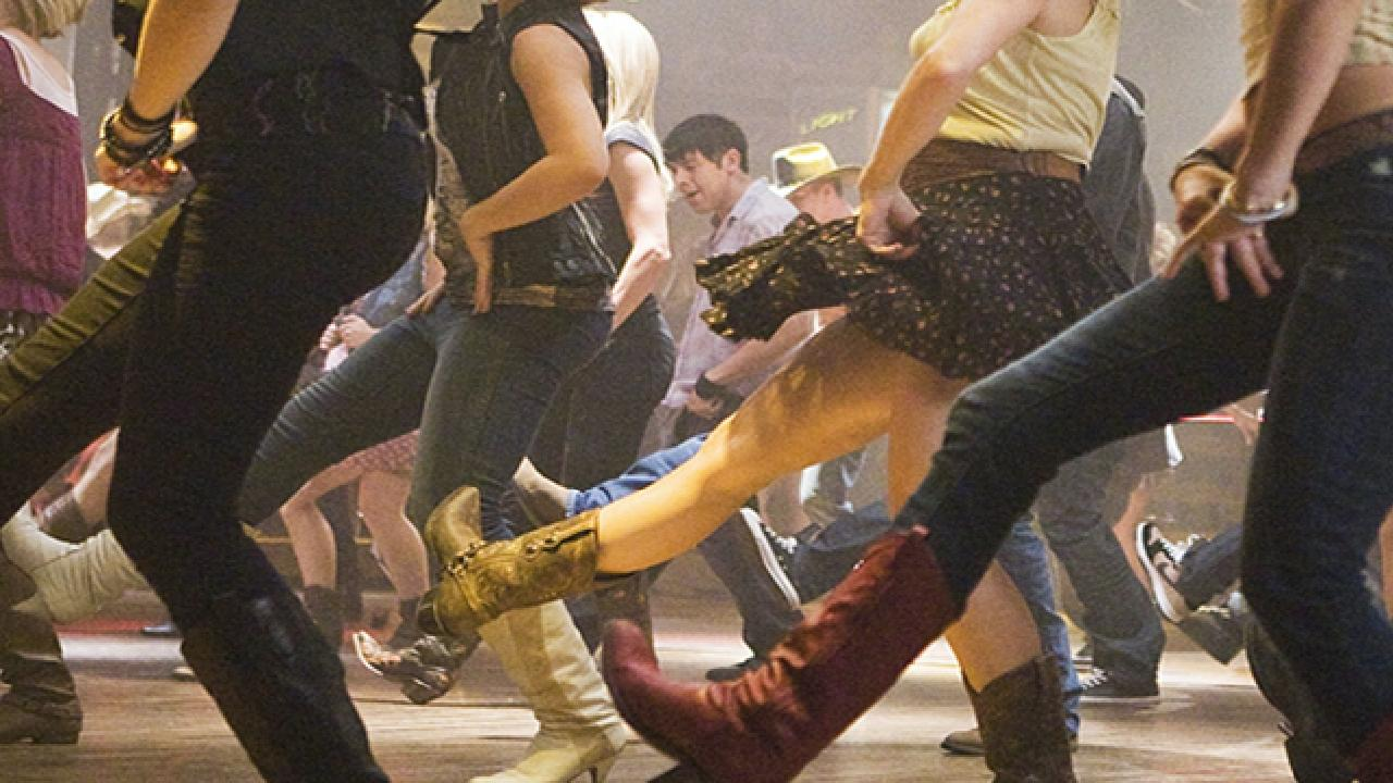 Police allege offences worth more than $120,000 have been committed in relation to linedancing holidays that have not eventuated.