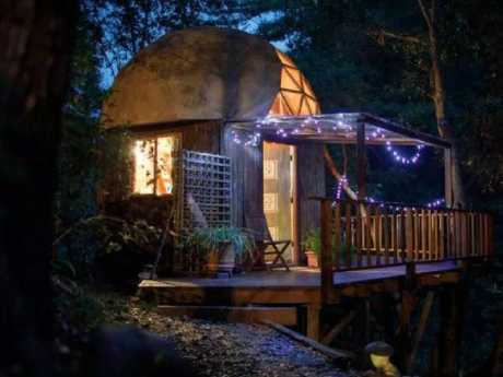 The cabin has nearly 1300 reviews on Airbnb, with five stars overall. Picture: Airbnb