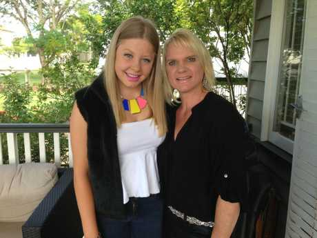 Zoe McGinty, pictured with her mum Kirsten McGinty, died suddenly aged 20 from meningococcal in 2017.