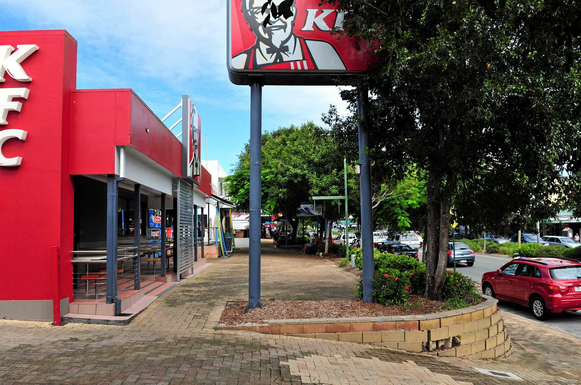 Noosa residents are down to their last finger licking fix with Kentucky Fried Chicken closing its doors at Noosa Junction.