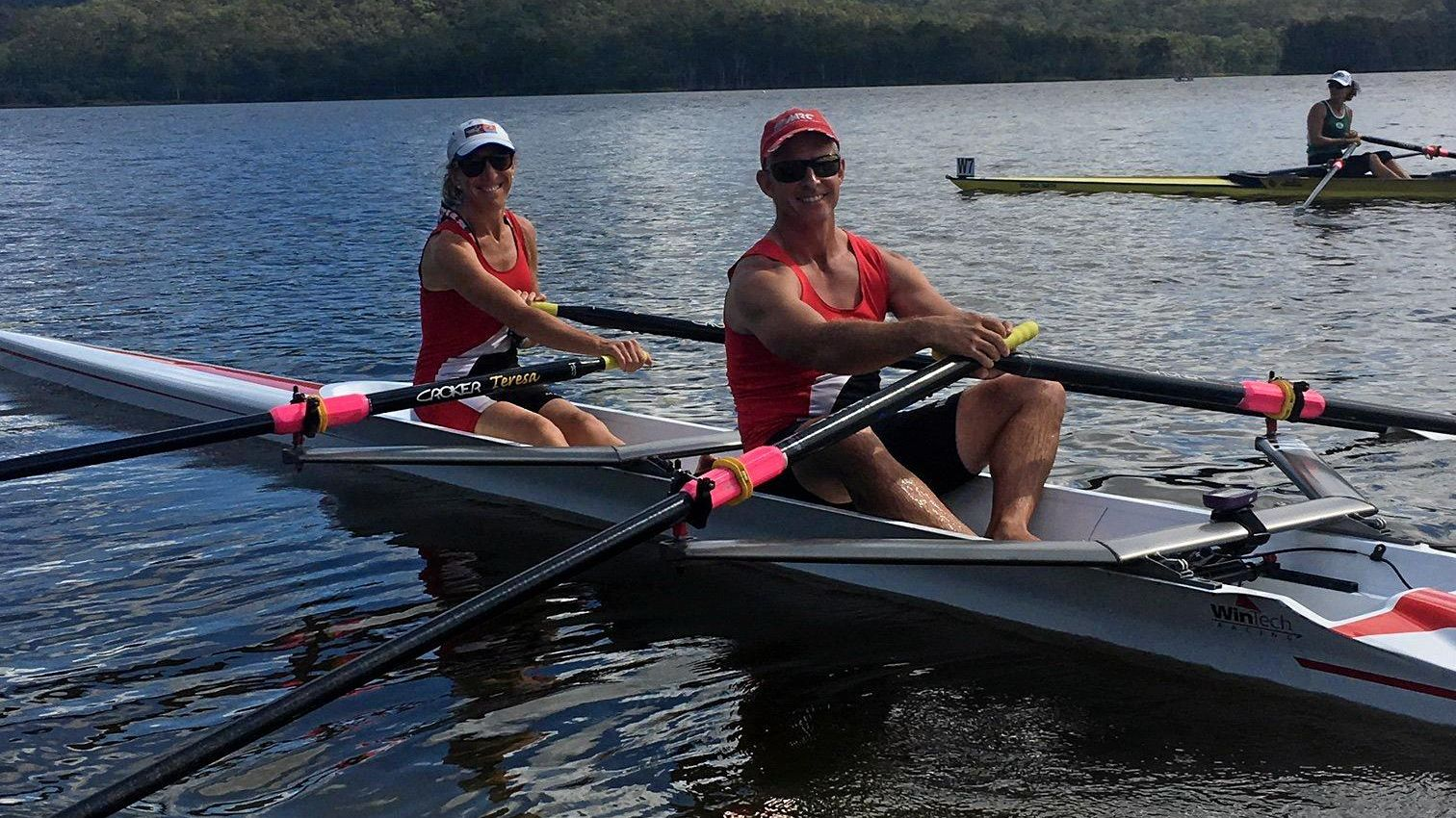 Rower's early morning platypus rendezvous | Daily Mercury