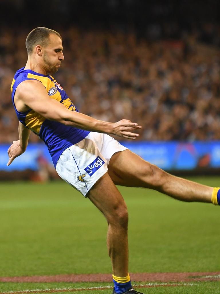 Dom Sheed had another big shot at goal in the final term. Pic: AAP