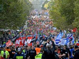 100,000 people shut down Melbourne