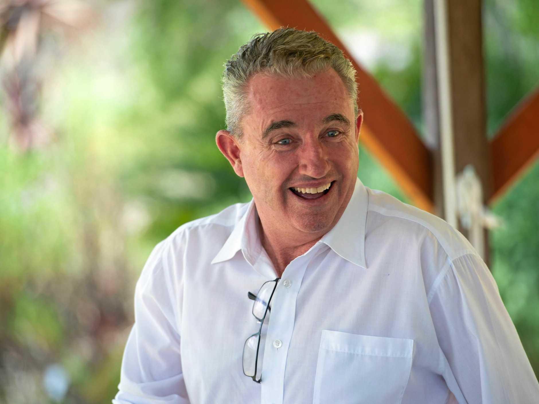 Kevin Hogan federal member for Page, talks with Nana Glenn residents re. solar farm proposal. . 05 FEB 2018