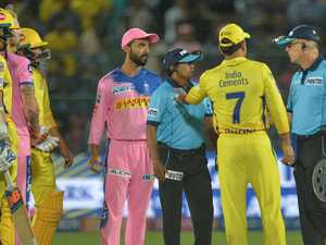 Dhoni condemned for unthinkable brain snap in IPL