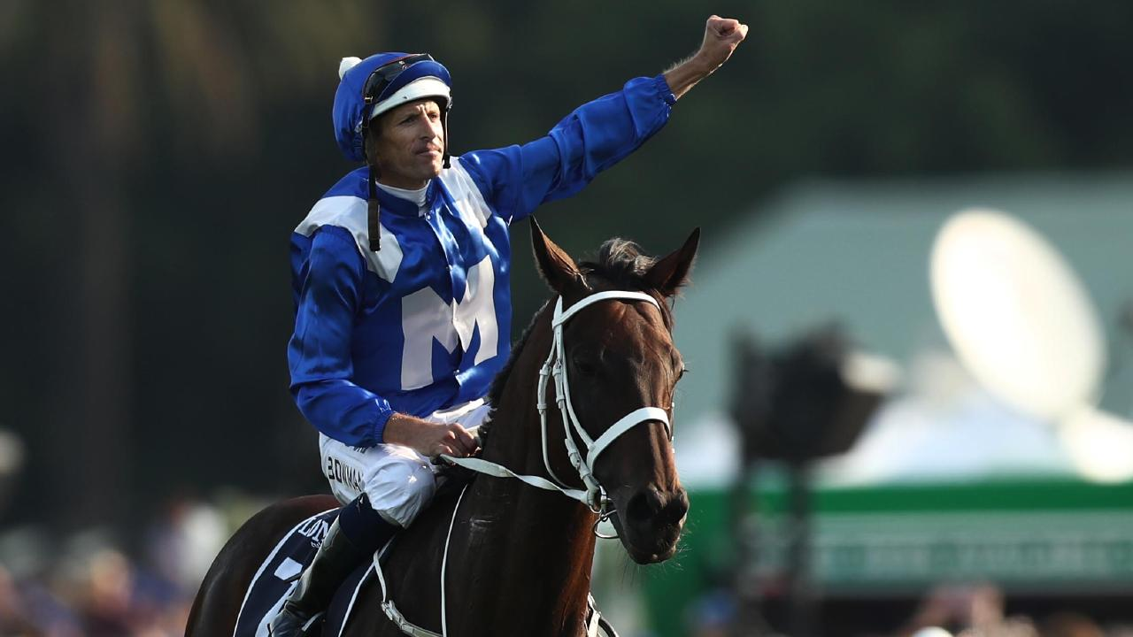 Bowman salutes the crowd on Winx. Picture: Getty Images