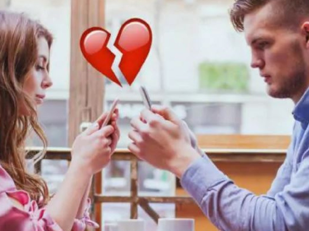 """Is this focus on social media the new norm for dating now?"" Picture: iStock"