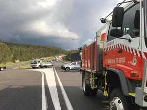 Man dead, children hurt, in three-car highway crash