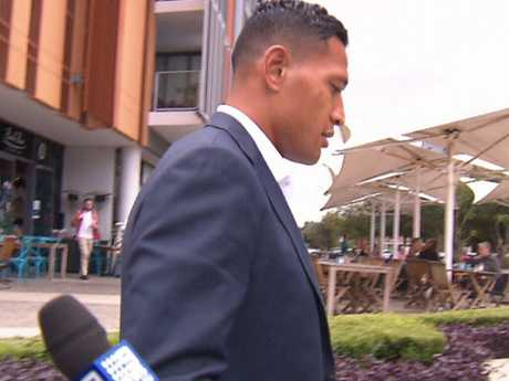 Israel Folau leaving a meeting with Rugby Australia on Friday. Source: 7News