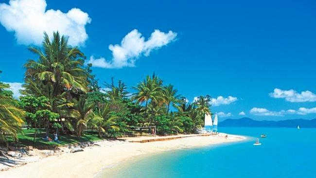Daydream Island reopened on Monday, delivering a boost for the Mackay-Whitsunday region's economy.