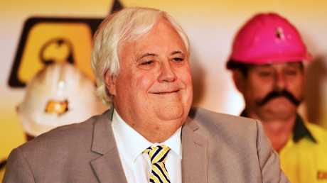 Clive Palmer announces he will pay Queensland Nickel workers what they are owed. Picture: Alix Sweeney