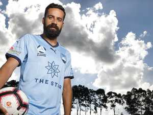 Sydney FC great Brosque calling it quits