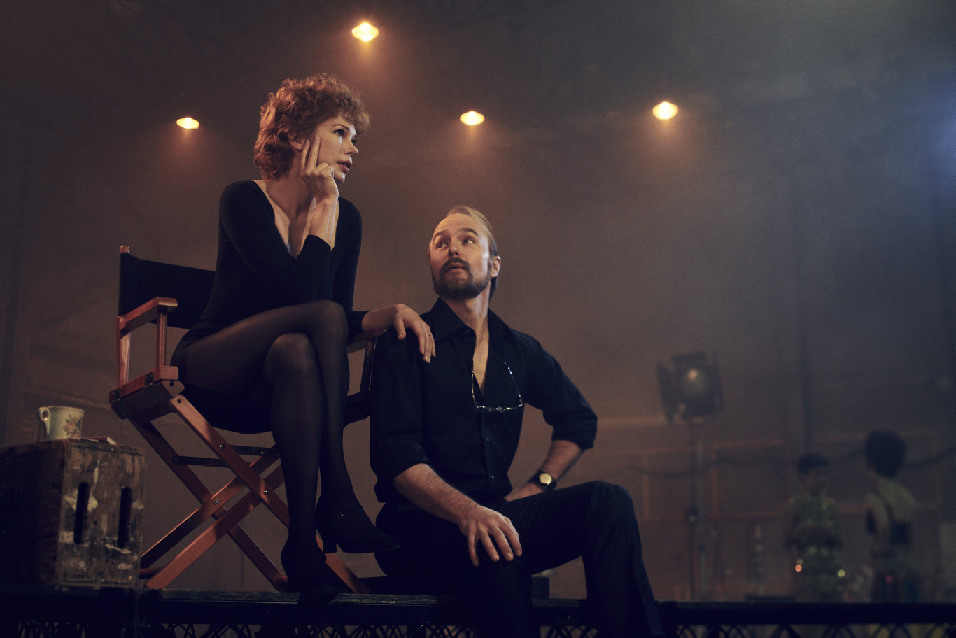 Michelle Williams and Sam Rockwell in a scene from the TV series Fosse/Verdon.