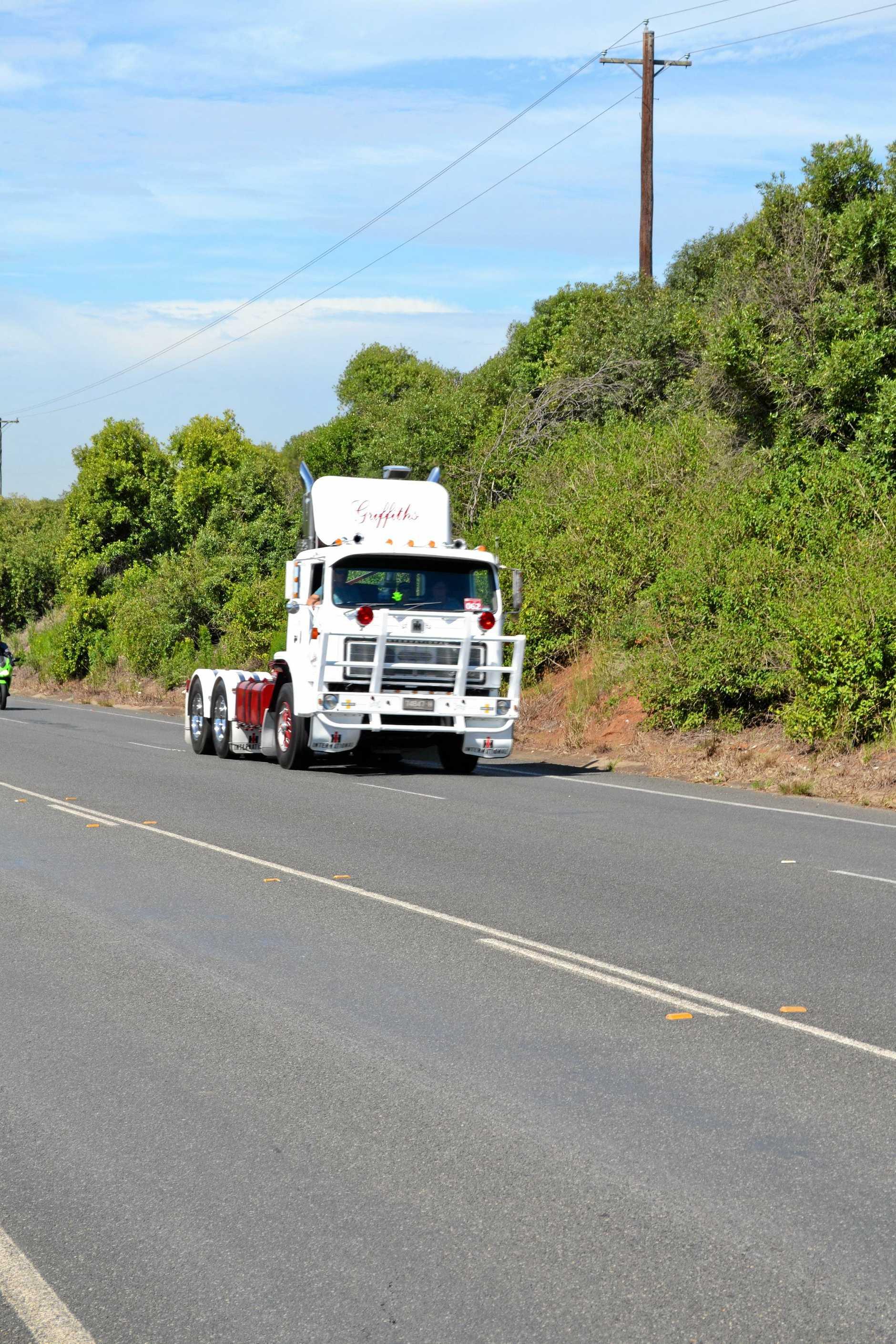 International cabover on Razorback Reunion Run