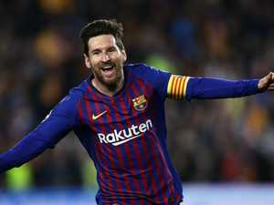 Messi magic humiliates Manchester United