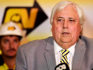 Clive Palmer announces he will pay QNI workers what they are owed after the administration redundancy in 2016. Picture: Alix Sweeney