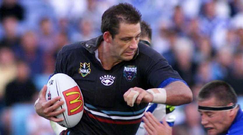 Feb 13 2000 Mark Geyer (ball) during Bulldogs vs Penrith NRL game at Stadium Australia, /Homebush. PicRoy/Haverkamp. / Rugby / League A/CT sport action