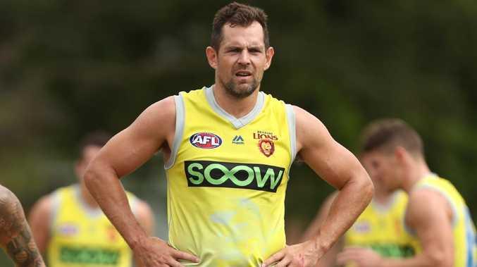 'What a knob': AFL legend Luke Hodge slams journo