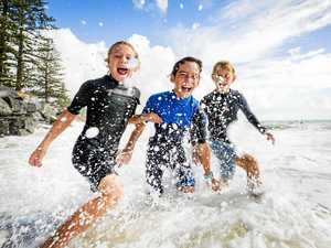 Hazardous surf, large tides can't stop Easter beachgoers