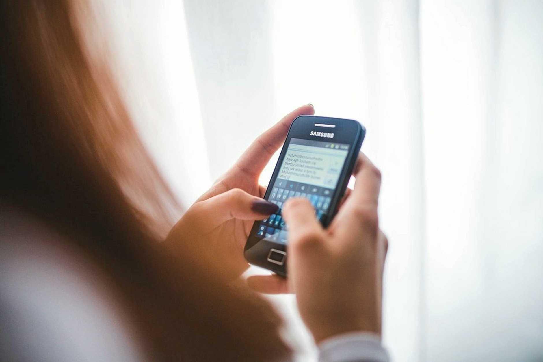 phone generic mobile phone smartphone girl