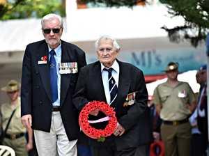 Mudjimba ANZAC Ceremony.Bob Cody and Stanley Webb lay