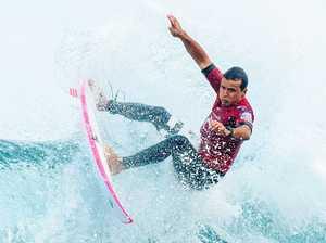 Wilson falls as swell rises at Bells Beach