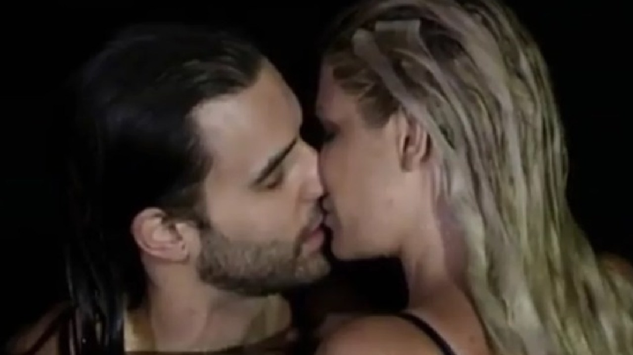 Thomas Perras and Megan Marx sharing a kiss on Bachelor in Paradise in 2017.