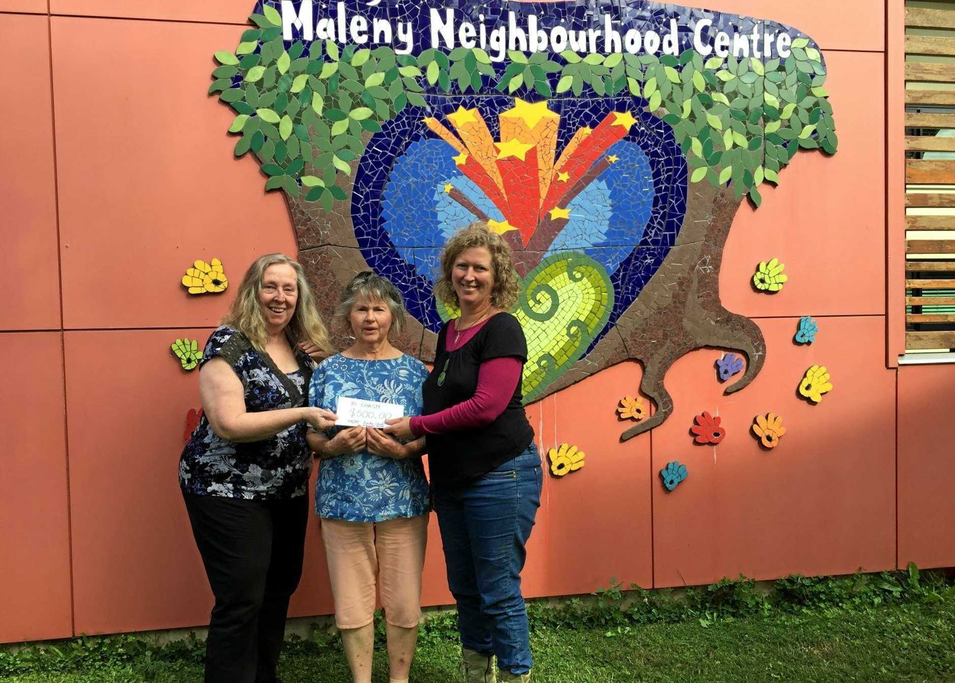 CHASM's Marg McKenzie with Julia Peddie, with ZONTA's Margie Richter (centre) receiving a donation from ZONTA.