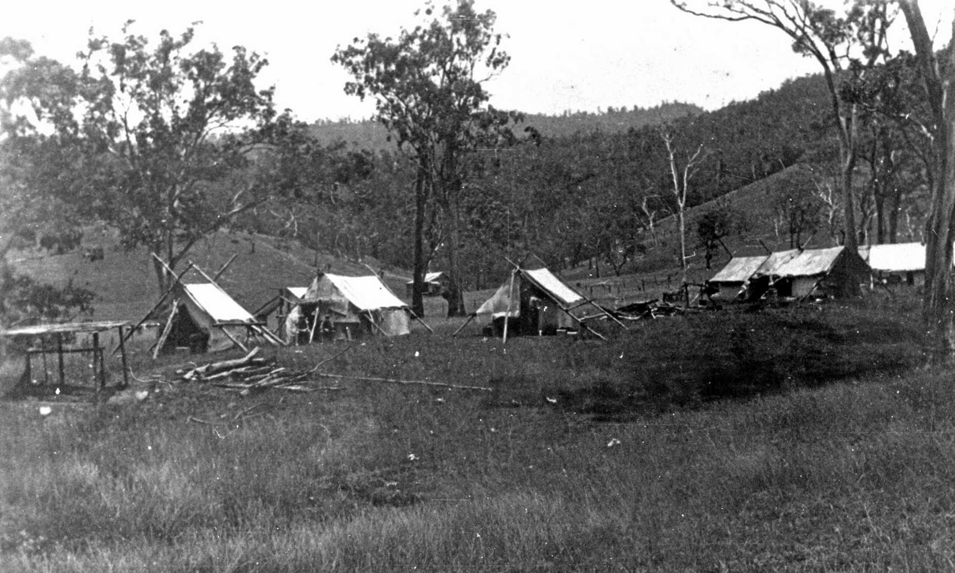P87510 - WWII Soldier's camp, Elaman Creek, Conondale, ca 1942.