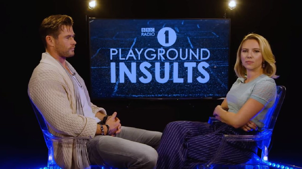Chris Hemsworth dominated Scarlett Johansson in a game of Playground Insults.