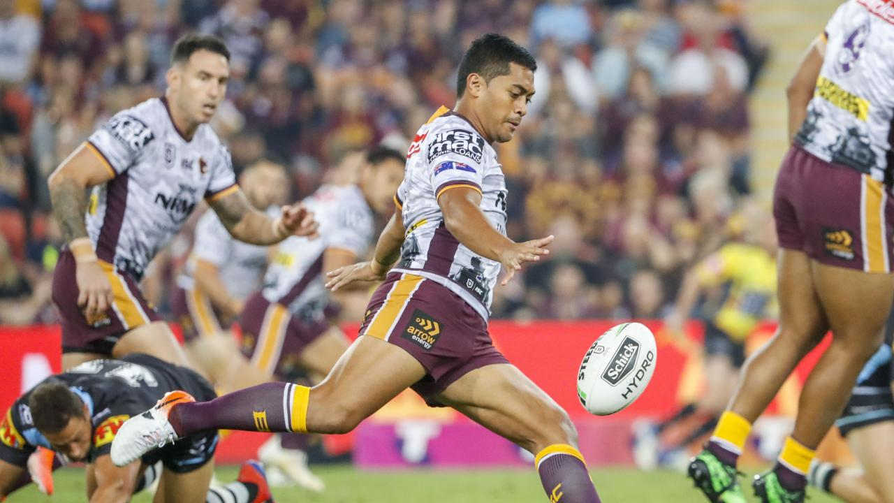Anthony Milford of the Broncos with the ball during the Round 7 NRL match between the Brisbane Broncos and the Cronulla Sharks at Suncorp Stadium in Brisbane, Sunday, April 27, 2019. (AAP Image/Glenn Hunt) NO ARCHIVING, EDITORIAL USE ONLY