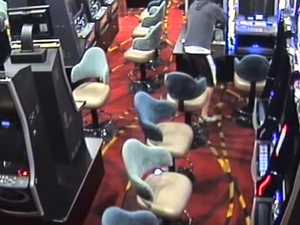 Man breaks into pokie machine