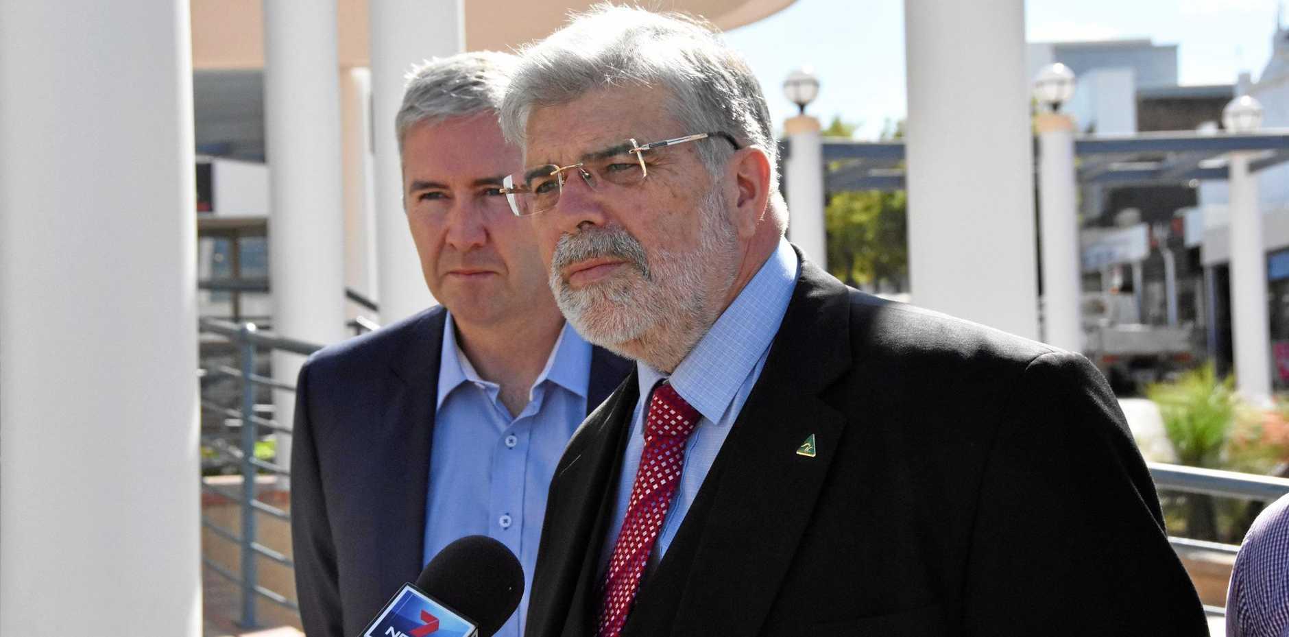 ALP Senator Kim Carr said a Labor government would back the pilot plant's expansion.