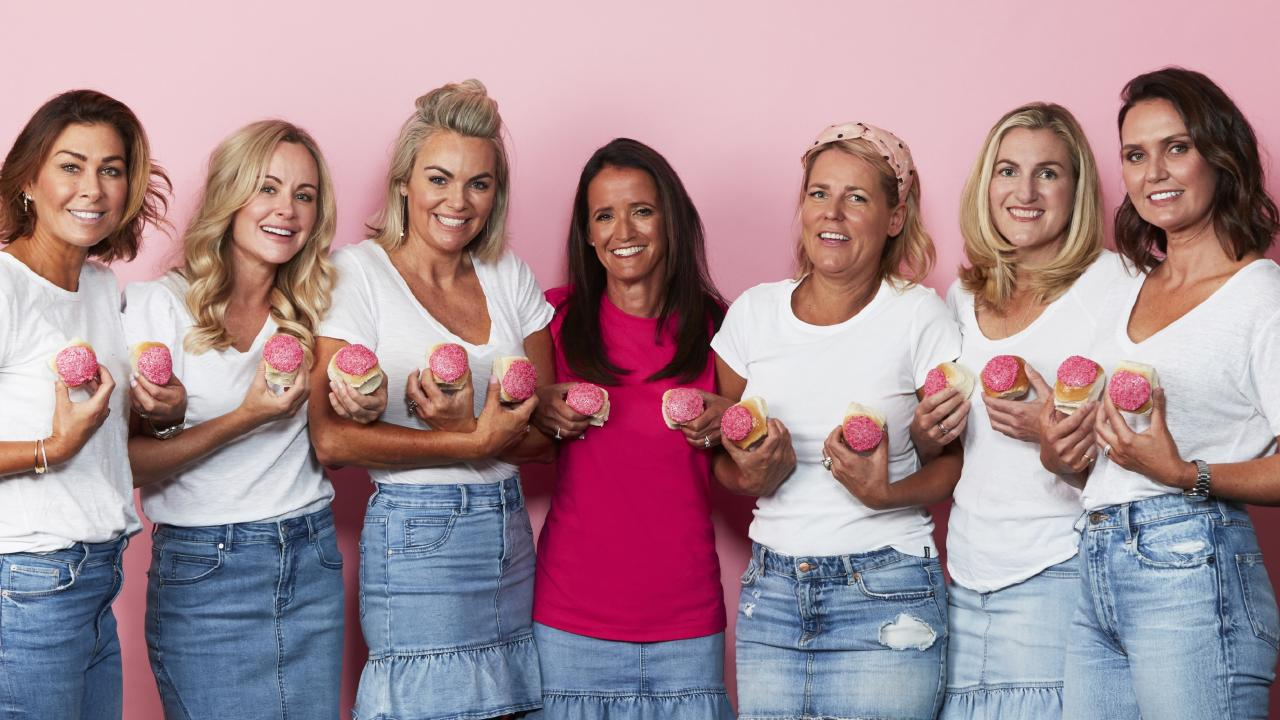 The 2019 Bakers Delight Pink Bun campaign supports Australians with breast cancer.