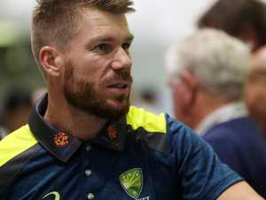Warner slips back into Aussie fold