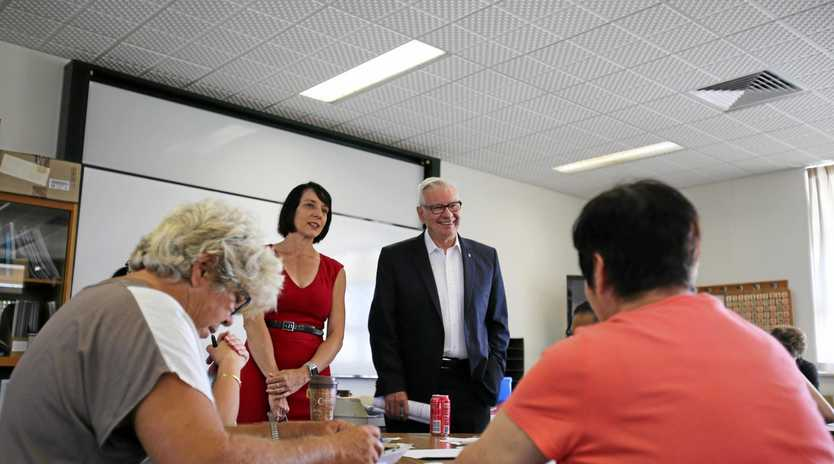 Labor candidate for Dawson Belinda Hassan and Shadow Minister for Skills and Apprenticeships Doug Cameron talk to Bowen TAFE students.