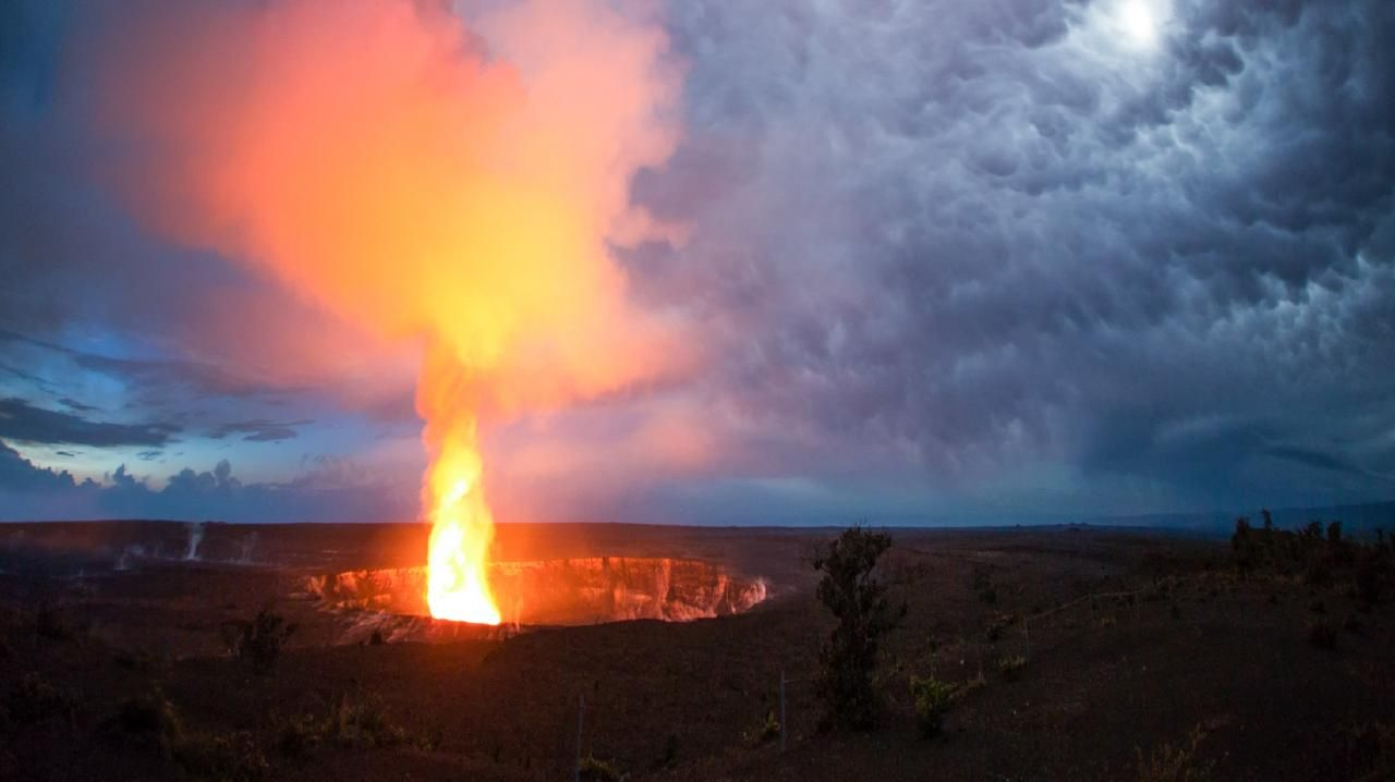 A tourist has fallen 20 metres into the crater of the Kilauea volcano at Hawaii Volcanoes National Park. Picture: HVCB Anthony Keane