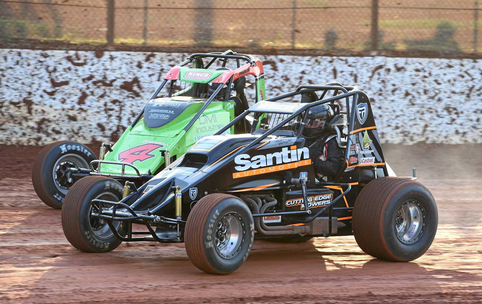 Maryborough Speedway - Wingless Sprints Dan Moes (4) and Matt Wright.