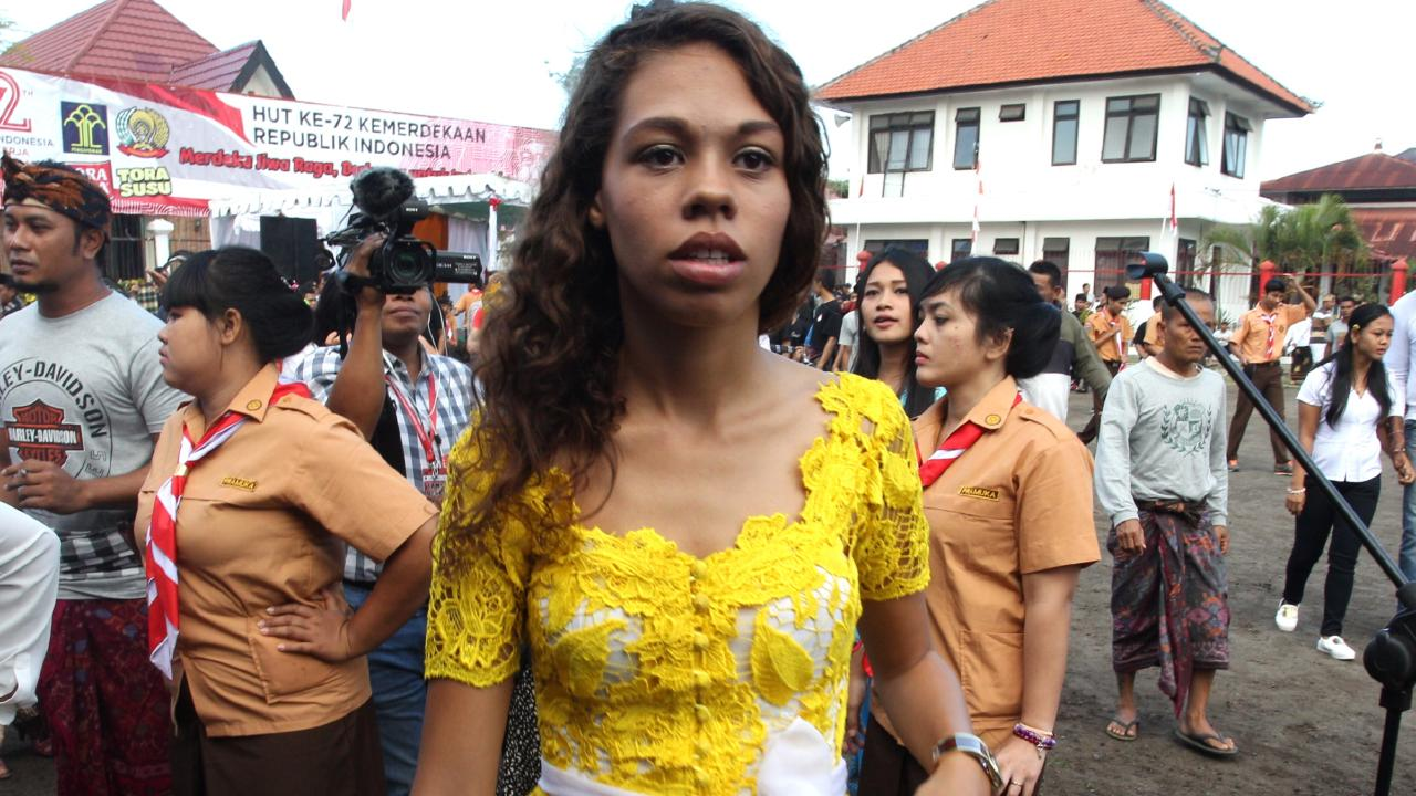 American Heather Mack with the other inmates on Indonesia's Independence Day inside Kerobokan jail in Bali.