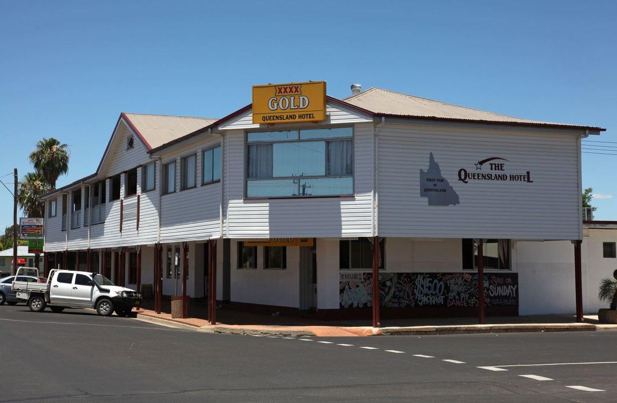 Queensland Hotel at Goondiwindi for sale.