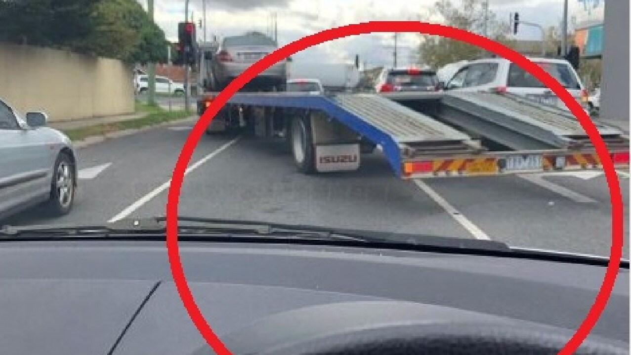 Driver's police dob hilariously backfires.