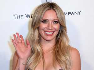 Hilary Duff announces engagement