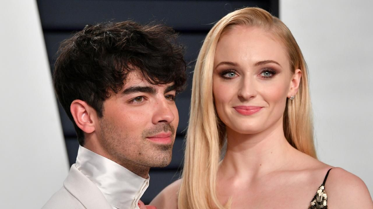 Joe Jonas and Sophie Turner at the 2019 Vanity Fair Oscar Party. Picture: Dia Dipasupil/Getty Images