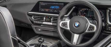 Z4 cockpit: Roomier, with paddle-shifters, clever digital kit and knobs for audio and aircon
