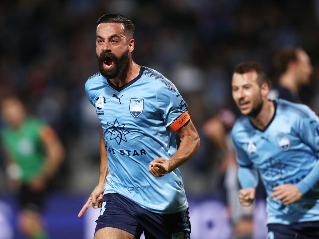 Alex Brosque crushed the Melbourne Victory in the first half.
