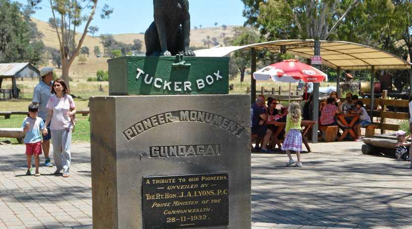 The famous Dog on the Tuckerbox monument near Gundagai