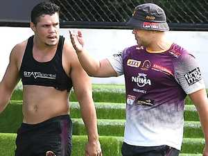 Seibold denies falling out with demoted Roberts
